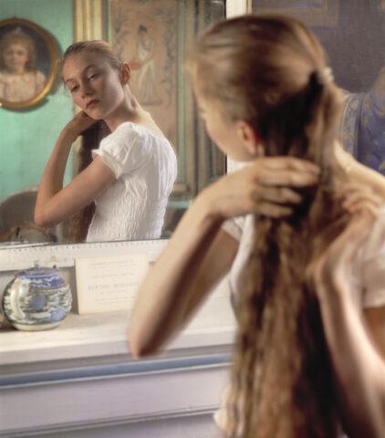Devant la Glace, after Morisot